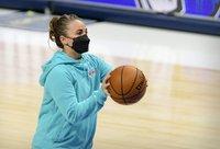 B.Hammon gali tapti pirmąja NBA vyr. trenere moterimi (Scanpix nuotr.)