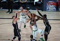 """""""Celtics"""" ir laimėjo, ir patausojo lyderius (Scanpix nuotr.)"""