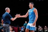 L.Scola imasi naujų darbų (FIBA nuotr.)