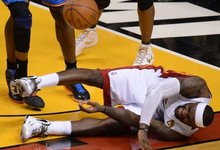 NBA finalas (IV), L.Jameso trauma
