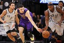 """NBA: """"Lakers"""" – """"Spurs"""""""