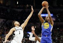 """NBA: """"Spurs"""" – """"Warriors"""""""