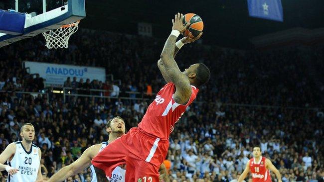 J.Powello noras grįžti į NBA neišsipildė (Scanpix nuotr.)