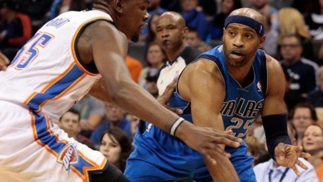 V.Carteris privalės praleisti vieną NBA mačą (Scanpix)