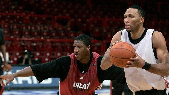 """Krepšininkas praeityje yra vilkėjęs """"Heat"""" marškinėlius (Scanpix nuotr.)"""