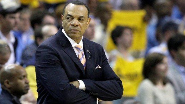 """L.Hollinsas gali stoti prie """"Lakers"""" vairo (Scanpix nuotr.)"""