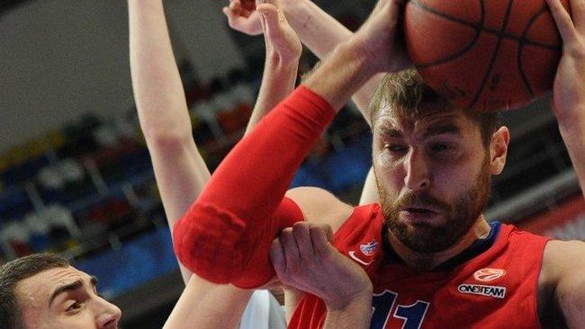 CSKA į pergalę vedė tik epizodiškai žaidžiantis D.Sokolovas (Scanpix)