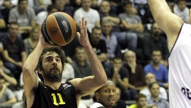 """J.C.Navarro """"Partizan"""" sirgalių akivaizdoje pataikė 21 tritaškį paeiliui (Scanpix)"""