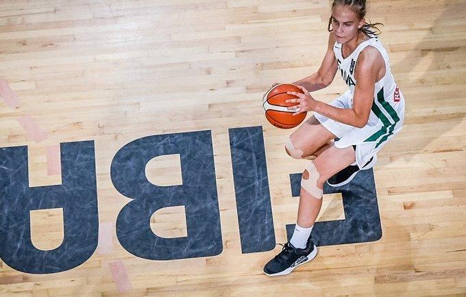 J.Jocytė bendravo su T.Parkeriu (FIBA Europe nuotr.)