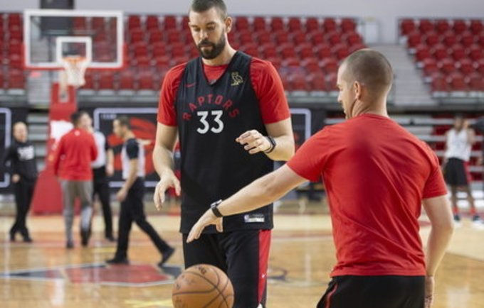 """M.Gasolis šį sezoną bus vienas pagrindių """"Raptors"""" ginklų (Scanpix nuotr.)"""