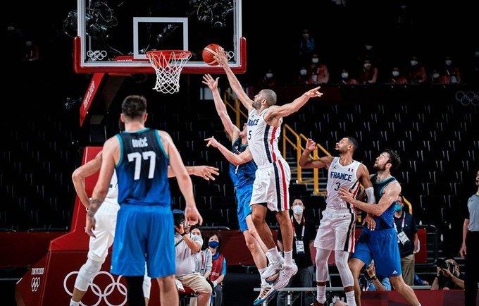 N.Batumas išgelbėjo prancūzus (FIBA nuotr.)