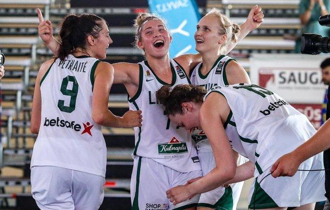 Merginos rinko pergales (3x3 krepšinio asociacijos nuotr.)