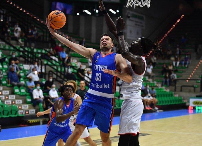 T.Dimša prie pergalės prisidėjo 10 taškų (FIBA Europe nuotr.)