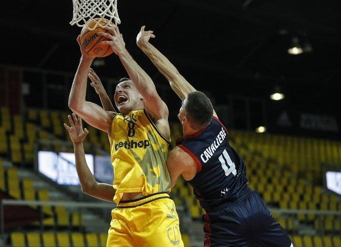 J.Mačiulis yra kviečiamas į Jonavos klubą (FIBA Europe nuotr.)