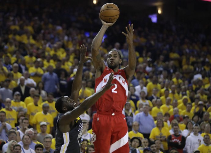 """K.Leonardas išklausys """"Clippers"""" pasiūlymą (Scanpix nuotr.)"""