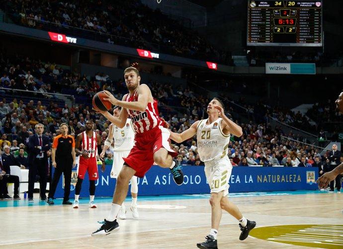 A.Vezenkovas buvo rezultatyviausias ekipoje (Scanpix nuotr.)
