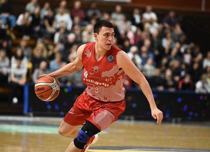 F.Cruzas pasižymi snaiperio savybėmis (FIBA Europe nuotr.)
