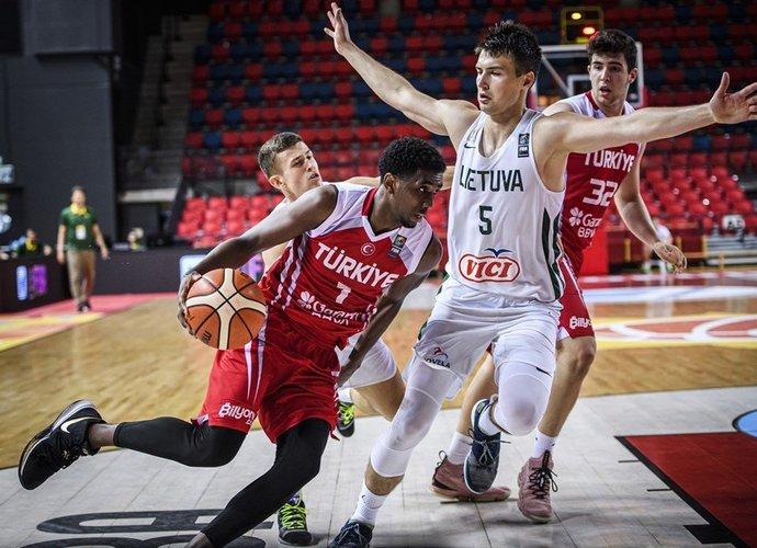 M.Mustafa lankysis Vilniuje (FIBA Europe nuotr.)