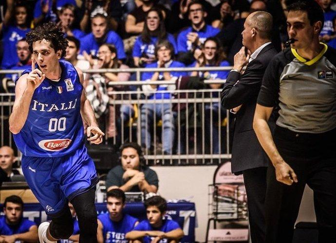 A.Della Valle vedė italus į pergalę (FIBA nuotr.)