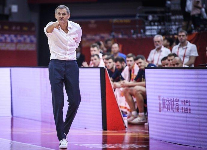 S.Bazarevičius neturi artimo ryšio su žaidėjais (FIBA nuotr.)