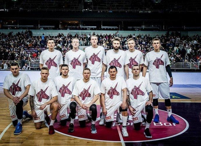 Latvijos rinktinė palaiko K.Porzingį