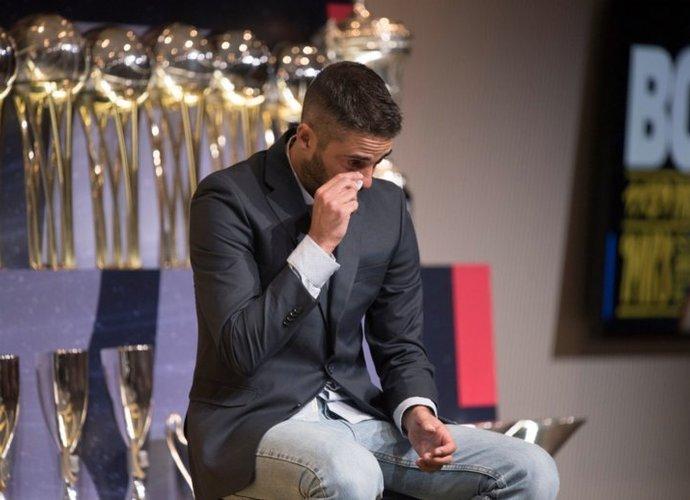 J.C.Navarro ceremonijoje nesutramdė ašarų
