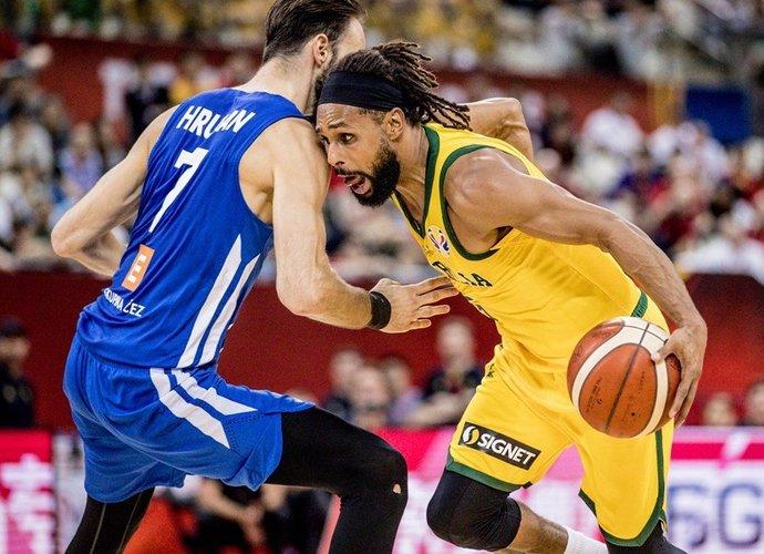 P.Millsas vedė australus į pusfinalį (FIBA nuotr.)
