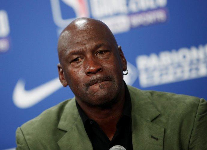 """M.Jordanas su """"Hornets"""" nieko nenuveikia jau pusantro dešimtmečio (Scanpix nuotr.)"""