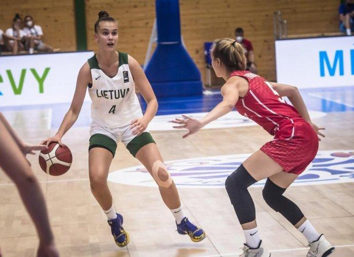 J.Jocytė buvo sunkiai sulaikoma (FIBA nuotr.)