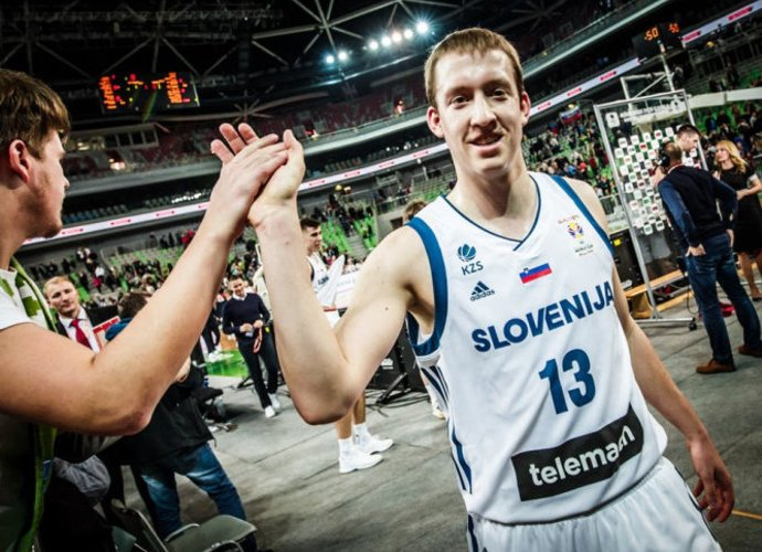 """M.Lapornikas apsivilks """"Pieno žvaigždžių"""" marškinėlius (FIBA nuotr.)"""