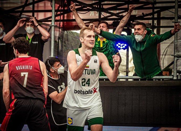 Lietuvos rinktinė žengė į ketvirtfinalį (FIBA nuotr.)
