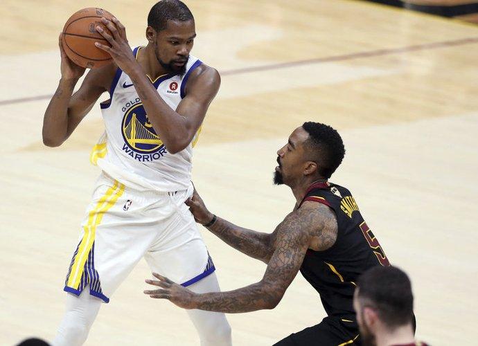 K.Durantas džiaugiasi, kad yra pastebimas NBA čempionų gretose (Scanpix nuotr.)