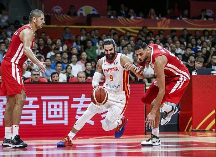Ispanai beveik pusantro kėlinio buvo labai blankūs (FIBA nuotr.)