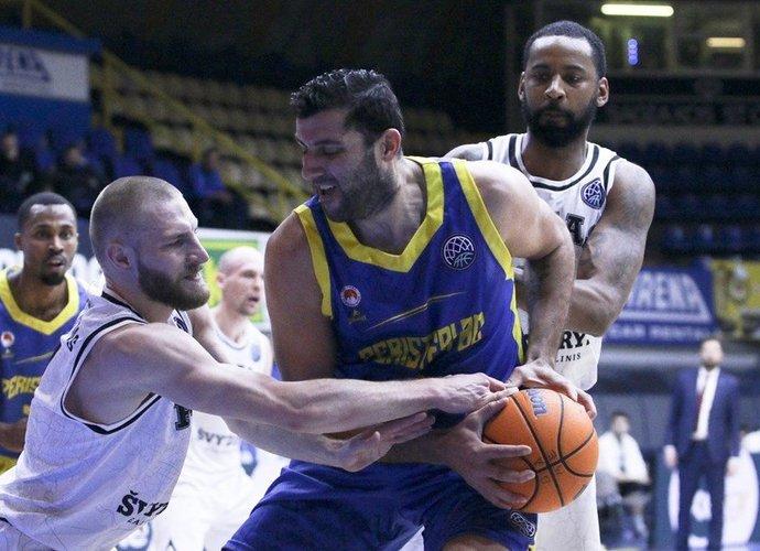 I.Bourousis dar žais krepšinį (FIBA Europe nuotr.)