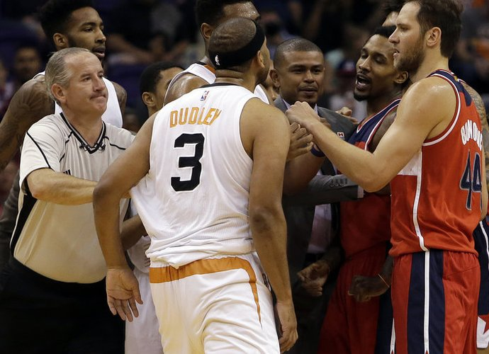 Krepšininkai turės susimokėti (Scanpix nuotr.)