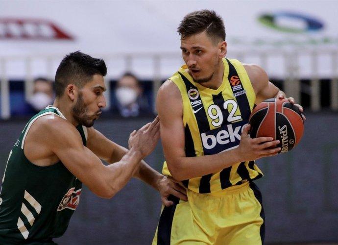 E.Ulanovas šiame sezone puolime turi itin mažai progų pasireikšti (Euroleague.net)
