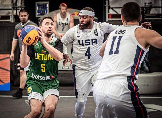 Lietuviai pirmąją atrankos dieną patyrė vieną nesėkmę  (FIBA nuotr.)