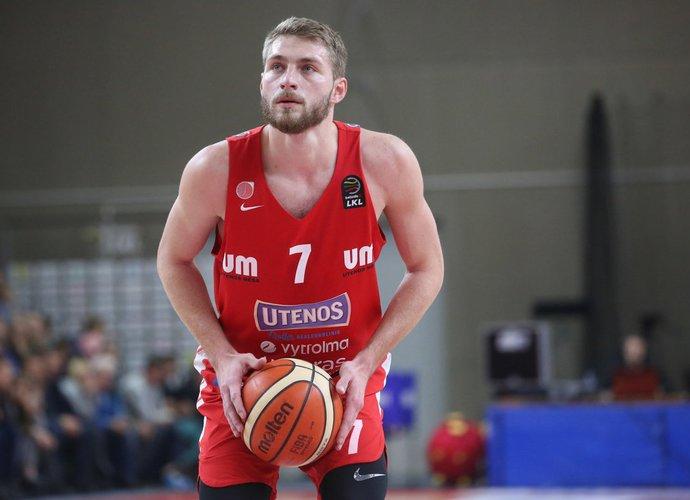 G.Radzevičius mėgaujasi žaidimu pilnoje arenoje (BNS nuotr.)