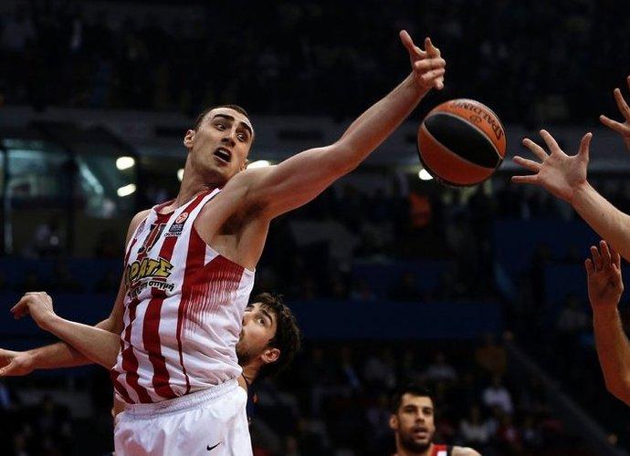 N.Milutinovas lieka Graikijos čempionų sudėtyje (Scanpix nuotr.)
