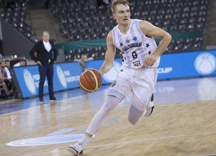 V.Kariniauskas tapo A.Valeikos komandos draugu (FIBA Europe nuotr.)