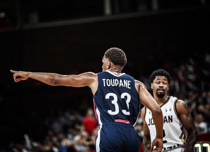A.Toupane'as kovos prieš buvusius komandos draugus (FIBA nuotr.)