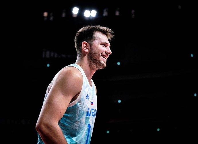 L.Dončičius taps vienu daugiausiai uždirbančių NBA krepšininkų (FIBA nuotr.)